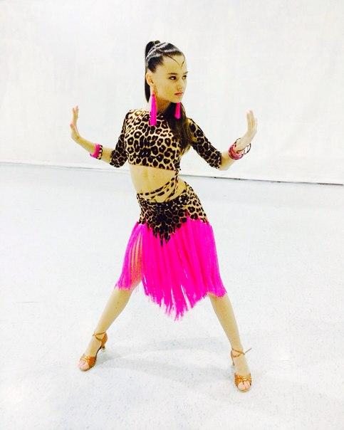 Платья на бальные танцы латина