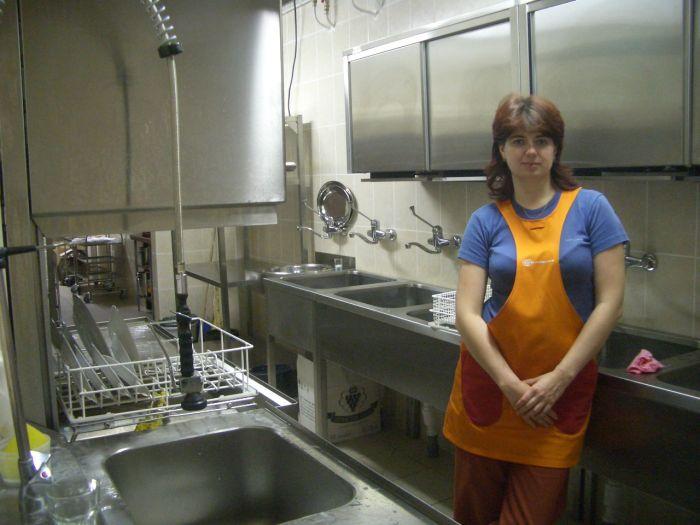 Продам киоск общепита 7мкв быстрого питания (под шаурму, кебаб, манты,напитки и тп) ,с переуступкой прав аренды
