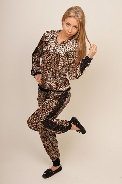 7f0f53cab503 Женский спортивный велюровый леопардовый костюм Dolce Gabbana (Дольче  Габбана)