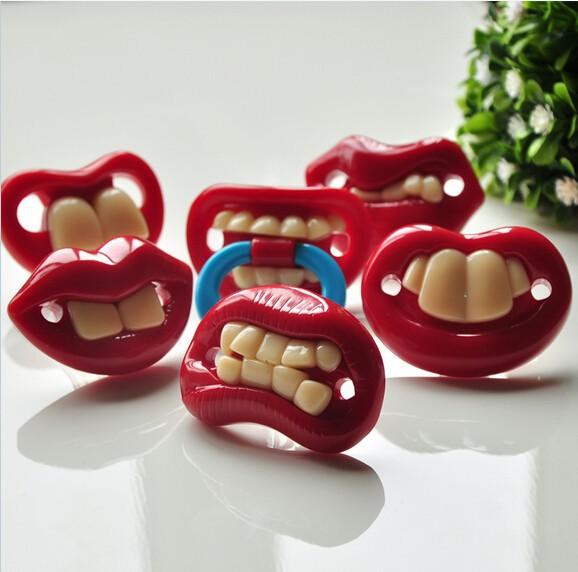 Соски пустышки в виде губ